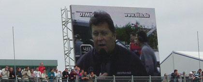 A verseny súlyát jelzi, hogy Norbert Haug, a McLaren-Mercedes sportigazgatója rendre aktív részese az eseményeknek