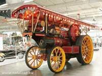 Gőzhajtású traktor, 1917, Fowler művek, Anglia. 7 méter hosszú, csaknem 4 méter magas