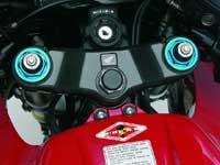 Már a CBR600RR-hez is jár a HESD kormánylengés-csillapító