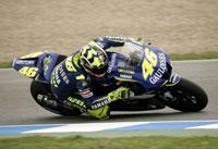 Rossi az élre tör